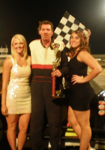 Bobby Wheeler, Jr. with the two very lovely trophy girls.